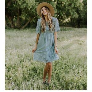 Roolee Weston Lace Dress sz M Blue Sage